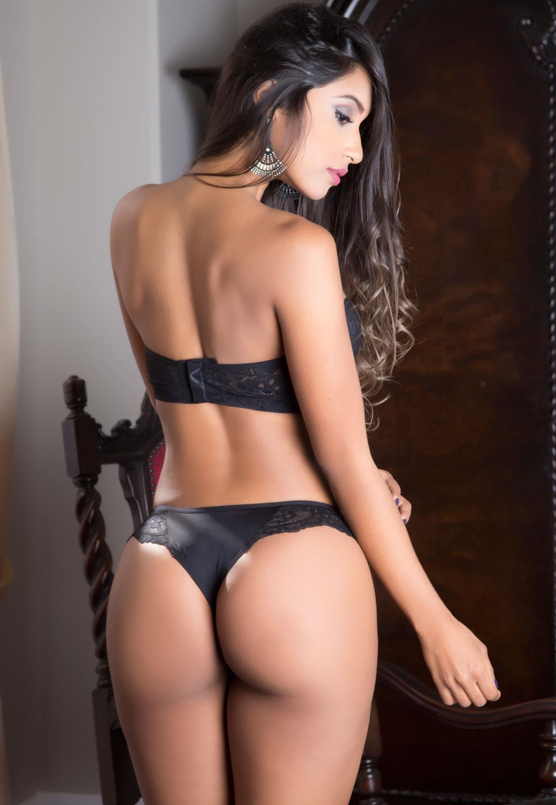 5ce4e8383 1414598 conjunto-romantico-em-renda-tomara-que-caia-garota -veneno z2 636124825798994000.jpg